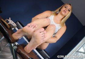 Only Female Feet: Maria Jade