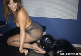 Pantyhose and Chastity Seduction